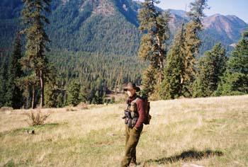 flyfishing-hiking